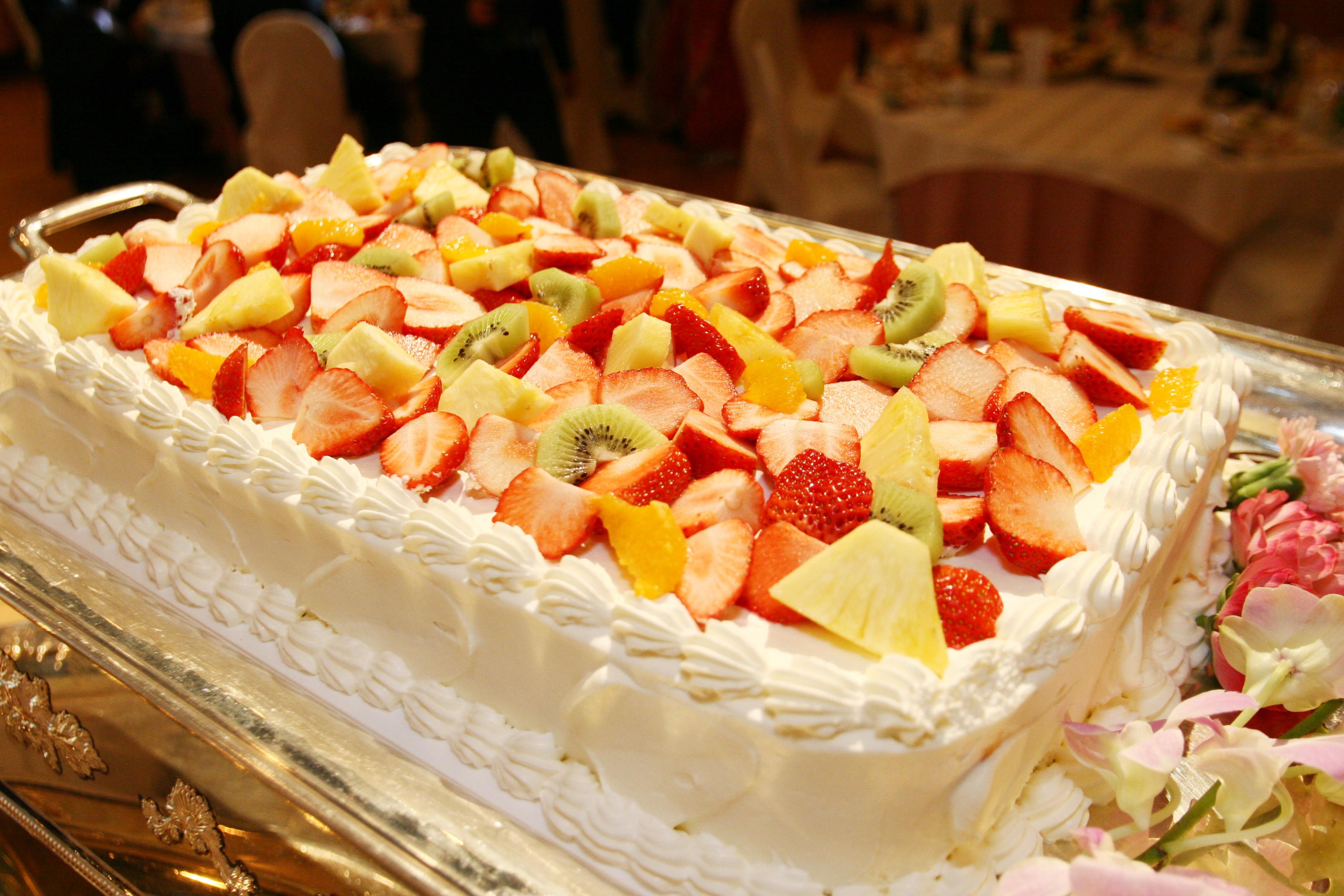 オリジナルウエディングケーキをプレゼント!